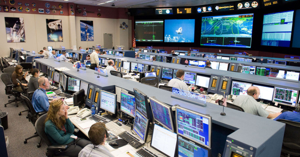 STS-128_MCC_space_station_flight_control_room-1030x685
