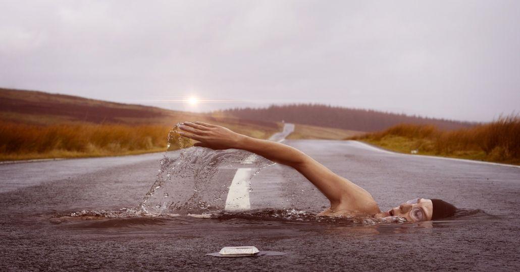 swimmer-1678307_1920-1030x616