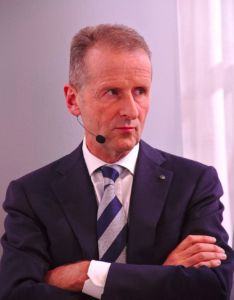 TOPS VW-Chef Herbert Diess: Kulturwandel durch neue Boni?
